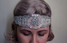 <b>Channel your inner Daisy Buchanan with these gorgeous art deco headpieces.</b>