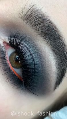 Eye looks to die for Smokey Eye Makeup Look, Black Smokey Eye, Eyeshadow Looks, Makeup Looks, Butterfly Nail, Eye Make Up, Goals, Makeup Eyes, Eye Shadows