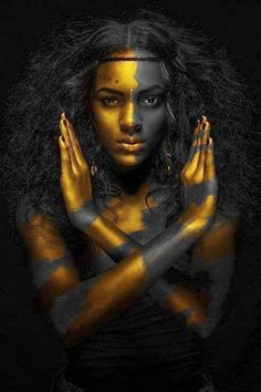 Black and Gold African Nude Woman Indian Oil Painting on Canvas Posters and Prints Scandinavian Wall Art Picture for Living Room Black Women Art, African Beauty, Black Is Beautiful, Gorgeous Body, Absolutely Gorgeous, Beautiful Pictures, Black Art Pictures, Amazing Body, Amazing Photos