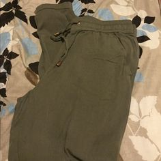 Olive Harlem pants Very comfy material. Pants
