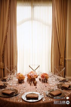 Beautiful table decor. Love the plates