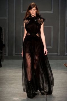 See our pick of the best looks from Vera Wang's Fall 2014 collection. More shows here!