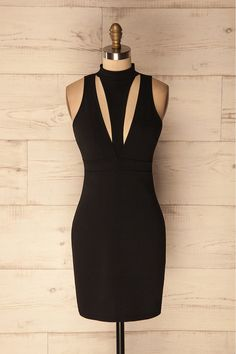 Lokossa - This little black dress is fitted with an empire waist, a go-to for any occasion. #littleblackdress #cockaildresses