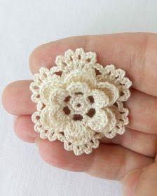 Tecendo Artes em Crochet: Florzinha Linda Crochet Stitches Chart, Crochet Edging Patterns, Crochet Designs, Crochet Sunflower, Crochet Leaves, Crochet Flowers, Art Au Crochet, Irish Crochet, Crochet Simple