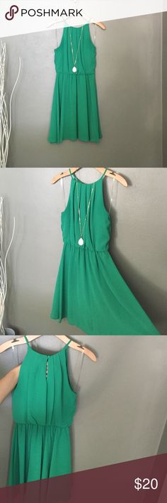 Chiffon fit and flare Kelly green chiffon, Fit and flare dress with lining. Semi- High neck fit. Very flattering. Francesca's Collections Dresses Mini