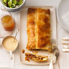 The mushroom strudel makes an excellent starter, but you can of course … My Favorite Food, Favorite Recipes, Strudel Recipes, Lasagna, Stuffed Mushrooms, Apple, Vegan, Dinner, Ethnic Recipes