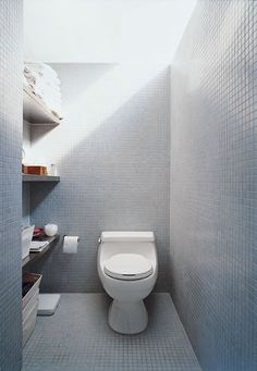 The LV prototype's bathroom shows how buyers can vary finish levels according to budget.  Photo by: Dean Kaufman