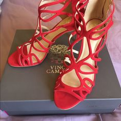 Host Pick . Red Rose Vince Camuto