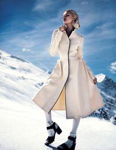 Snowfall – For the latest edition of Swedish Magazine, DV Mode, fashion model Martina Dimitrova poses in the snow for photographer Fredrik Wannerstedt. Snow Fashion, Trendy Fashion, Fashion Models, Winter Fashion, Fashion Outfits, Women's Fashion, Fashion Sewing, Fashion Editorials, Fashion Details