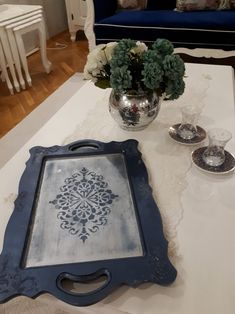 Glass Tray, Wood Glass, Wood Tray, Tray Decor, Vintage Wood, Diy Crafts To Sell, Accent Pieces, Chalk Paint, Trays