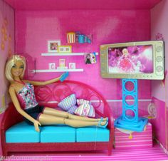 Barbie Living Room Girls Night In Doll Furniture Pink Sofa Flat TV NEW Open Box