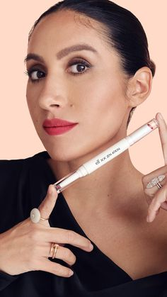 Jen Atkin's E.l.f. Cosmetics Collection Review Brown Eyeliner, Pencil Eyeliner, Eyebrow Dandruff, Jen Atkin, Minimalist Makeup, Clear Hair, Brow Pomade, Makeup Essentials, Lip Kit
