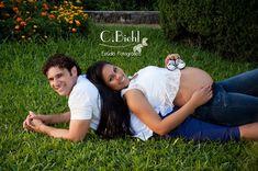 Ensaio Externo - Gestante Karen Maternity Poses, Maternity Pictures, Baby Pictures, Baby Photos, Couple Pregnancy Photoshoot, Pregnancy Goals, Maternity Photography Outdoors, Newborn Baby Photography, Futur Parents