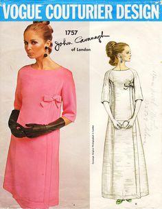 Rare Vintage JOHN CAVANAGH of London Evening Gown, Vogue Couturier Design, Pattern mother wore a wedding dress by this designer. Vogue Vintage, Vintage Vogue Patterns, Vintage Mode, Vogue Dress Patterns, Evening Dress Patterns, Vintage Outfits, Vintage Dresses, 1960s Dresses, Retro Fashion