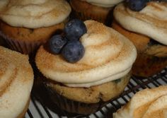 : Blueberry Pancake Cupcakes