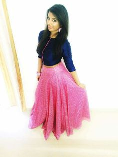 Lehenga Indian Gowns Dresses, Maxi Gowns, Colour Combination For Dress, Traditional Skirts, Navratri Dress, Nice Dresses, Short Dresses, Lehenga Designs, Swing Skirt