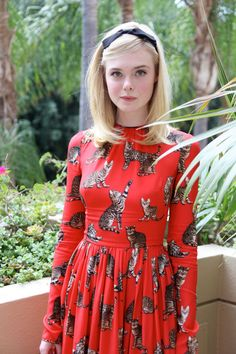 elle-fanning-the-neon-demon-press-conference-portraits-in-beverly-hills-6-27-2016-2.jpg (1280×1920)