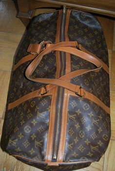 LOUIS VUITTON TRAVEL| I would love to have this for some reason.