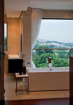 House Lam contemporary bathroom