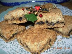 Christmas Mincemeat And Oat Squares Slices Recipe - Food.com Christmas Cooking, Christmas Time, Mincemeat, Mince Pies, Easy Snacks, No Bake Cake, Squares, Cooking Recipes, Lunch