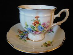 CROWN STAFFORDSHIRE BONE CHINA TEA CUP & SAUCER SET FLORAL SPRAY MADE IN ENGLAND