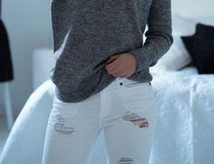 valkoiset farkut White Trousers, White Jeans, Pants, Style, Fashion, Trouser Pants, Swag, Moda, White Pants