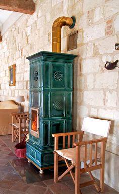 Wood heating stove / traditional / earthenware / ceramic - VIENNA - LA…