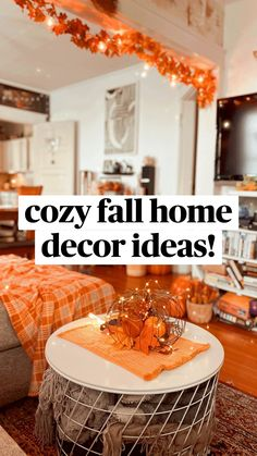 Halloween Bedroom, Halloween Home Decor, Fall Halloween, Halloween House Decorations, Living Room Halloween Decor, Halloween Lighting, Fall Living Room, Purple Halloween, Halloween Ideas