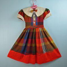 / GIRLS plaid school dress - SCHOOLGIRL sweet w/ peter pan collar big button detail Size small / medium 60 Fashion, 1950s Fashion, Kids Fashion, Vintage Fashion, Vintage Girls, Vintage Dresses, Vintage Outfits, Vintage Clothing, 1950s Dresses
