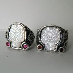 Beautiful calavera rings.