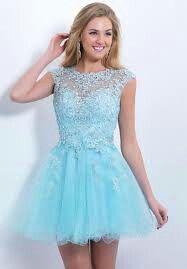 Un lindo vestido celeste para una fiesta de 15 años