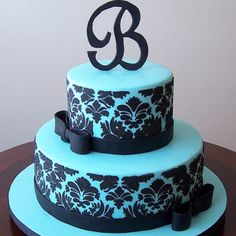 """I was fascinate with this cake.. beautiful for any """"girl"""" or """"lady"""" special occasion. Recommended for sweet 16."""