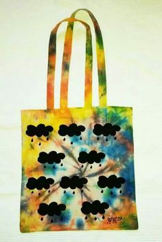 Bolsa pintada y teñida a mano. https:// www.facebook.com / sandoranekoneko