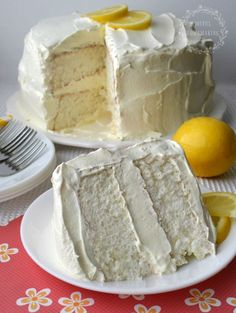 This Icebox Lemon Angel Food Cake is another almost homemade recipe. Since I was too lazy to make everything from scratch, I decided to do a semi-homemade lemon cake which would satisfy my craving for light, sweet and lemony. ICEBOX LEMON ANGEL FOO