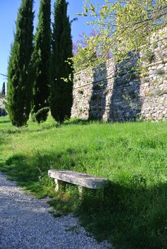 Bench outside the castle walls.  www.cookintuscany.com