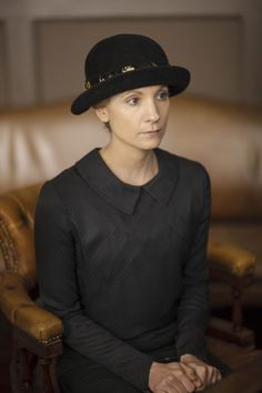 the consulting detective | ITV photos of Downton Abbey S6 E2 | Anna