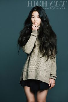 Hair please. Korean Fashion# baggy sweater GG's tiny times ♥