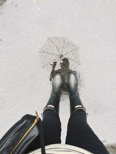 Can never get enough of wellies! Hunter Wellies, Hunter Boots, Winter Wear, Autumn Winter Fashion, Winter Style, Inspiration Mode, Fashion Inspiration, Hunter Original, Passion For Fashion