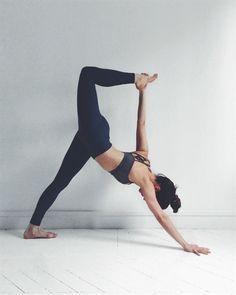 ✌︎♡ Ƒɍɛɛ Ȓåṇġɛ ǤĬɍŀ ♡✌︎ facebook.com/amyboyerofficial freerangegirl.com #YogaFitness