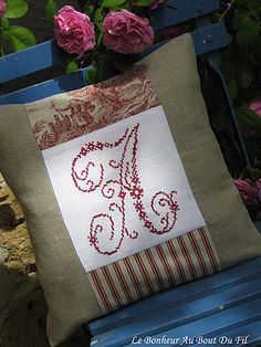 broderie et monogramme … Crochet Cushions, Sewing Pillows, Diy Pillows, Decorative Pillows, Doily Art, Vintage Cushions, Blackwork Patterns, Cross Stitching, Cross Stitch Embroidery