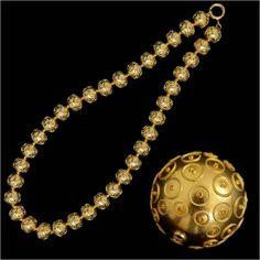 contas de Viana . golden beads from Viana do Castelo.