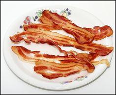 Soooo crispy bacon, you only need a microwave!! / Bacon crujiente en el microondas {In Spanish, translator on the sidebar}