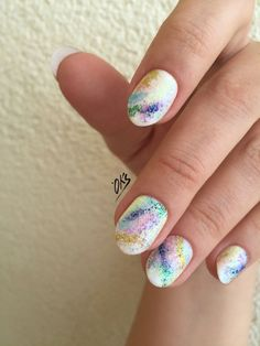 The design looks really nice on these short nails. Splatter Nails, Nails 2016, Nail Photos, Gorgeous Nails, White Nails, Short Nails, Nails Inspiration, Summer Nails, Pantone