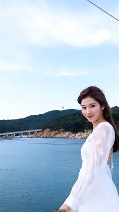 South Korean Girls, Korean Girl Groups, Twice Sana, Minatozaki Sana, One In A Million, Nayeon, Me As A Girlfriend, Kpop Girls, My Girl