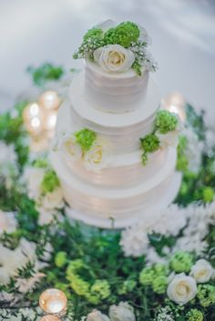 A Romantic Green and White Beverly Wilshire Wedding - International Event Company Beverly Wilshire, Late Night Snacks, Event Company, Chuppah, Red Fish, Edge Design, Beautiful Gardens, Orchids, Baby Shower