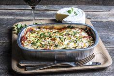 Hjemmelaget lasagne Pasta Recipes, Quiche, Breakfast, Snacks, Food, Lasagna, Morning Coffee, Appetizers, Essen