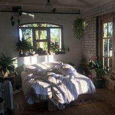 "668 Likes, 6 Comments - ᴺᴵᴺᴬ ᴷᴵᴹᴵᴷᴼ 11:11 (@ninakimiko) on Instagram: ""homebody & plant lover """