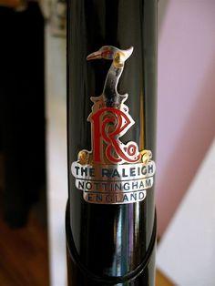 Raleigh Bicicletas Raleigh, Raleigh Bikes, Vintage Bicycles, Touring, Dawn, Cycling, Motorcycle, City, Biking