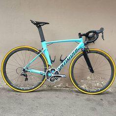Specialized Allez with Dura-Ace 9000, Rovals Rapide's and tan wall tyres, looks brilliant.. Pic @spinthatup . Find me on Instagram @bestbikekit  Facebook - bestbikekit  Twitter @bestbikekit Web: www.bestbikekit.com . #specialized #iamspecialized #allez #roval #tanwall #gumwall #specializedallez #carbon #speed #fitness #racing #roadbike #bikeporn #instabike #instacycling #bestbikekit #instalike #instagood #garmin #strava #aero #velo #endurance #rapha #rcc #sprint #triathlon #tri #triathlete #... Tan Walls, Honda S2000, Road Bikes, Bike Design, Road Cycling, Bike Life, Sprint Triathlon, Racing, Bicycles