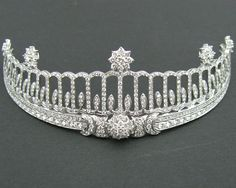 Baden Tiara, Germany (made by Cartier; diamonds). Once belonged to Princess Hilda of Nassau, Grand Duchess of Baden (1864-1952). http://royals-and-quotes.tumblr.com/post/84244376740/tiara-tuesday-the-baden-tiara-baden-tiara
